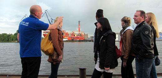 Explore the Hamburg harbor on our harbor tour.
