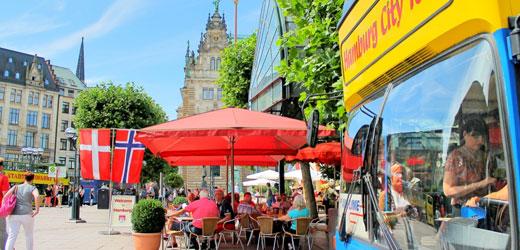 Hop On Hop Off Stadtrundfahrt am Rathausmarkt